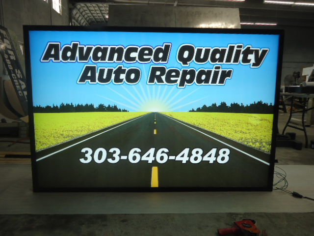 Lighted Outdoor Business Sign - Advance Auto